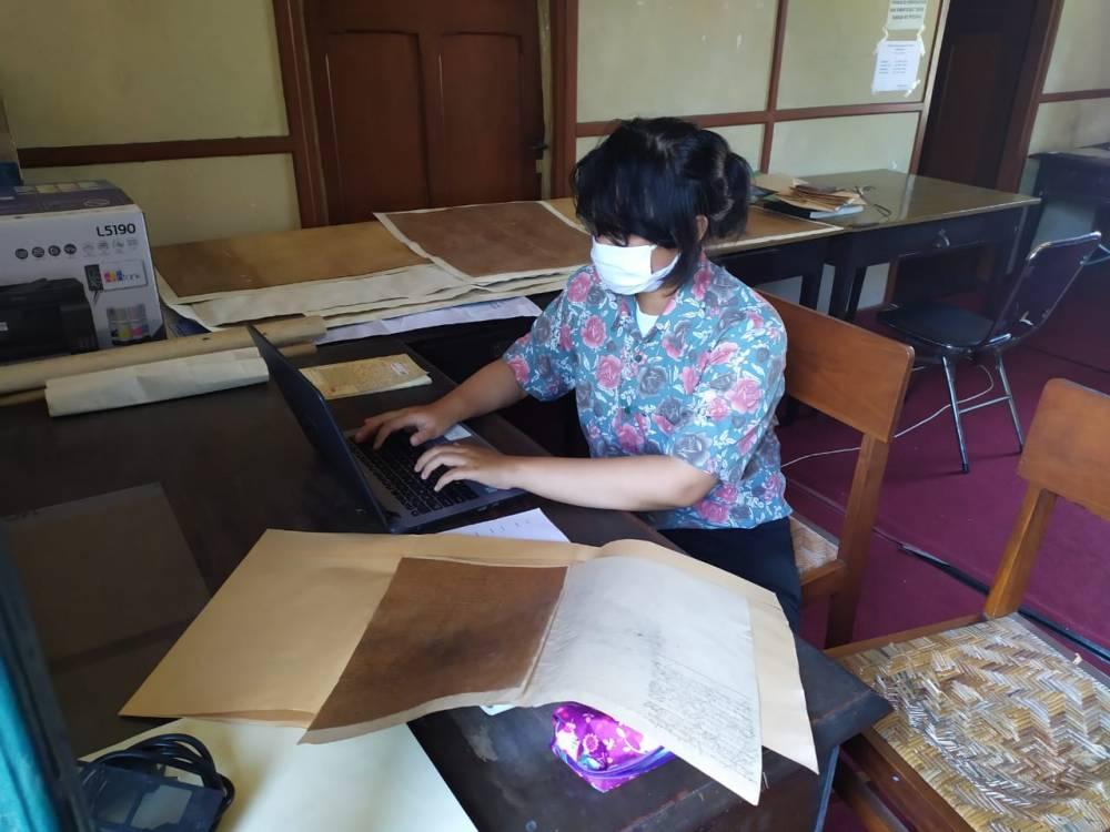 Penelitian dan Pengabdian kepada Masyarakat, Prodi Ilmu Sejarah FIB UNS Adakan FGD Digitalisasi Katalog Naskah